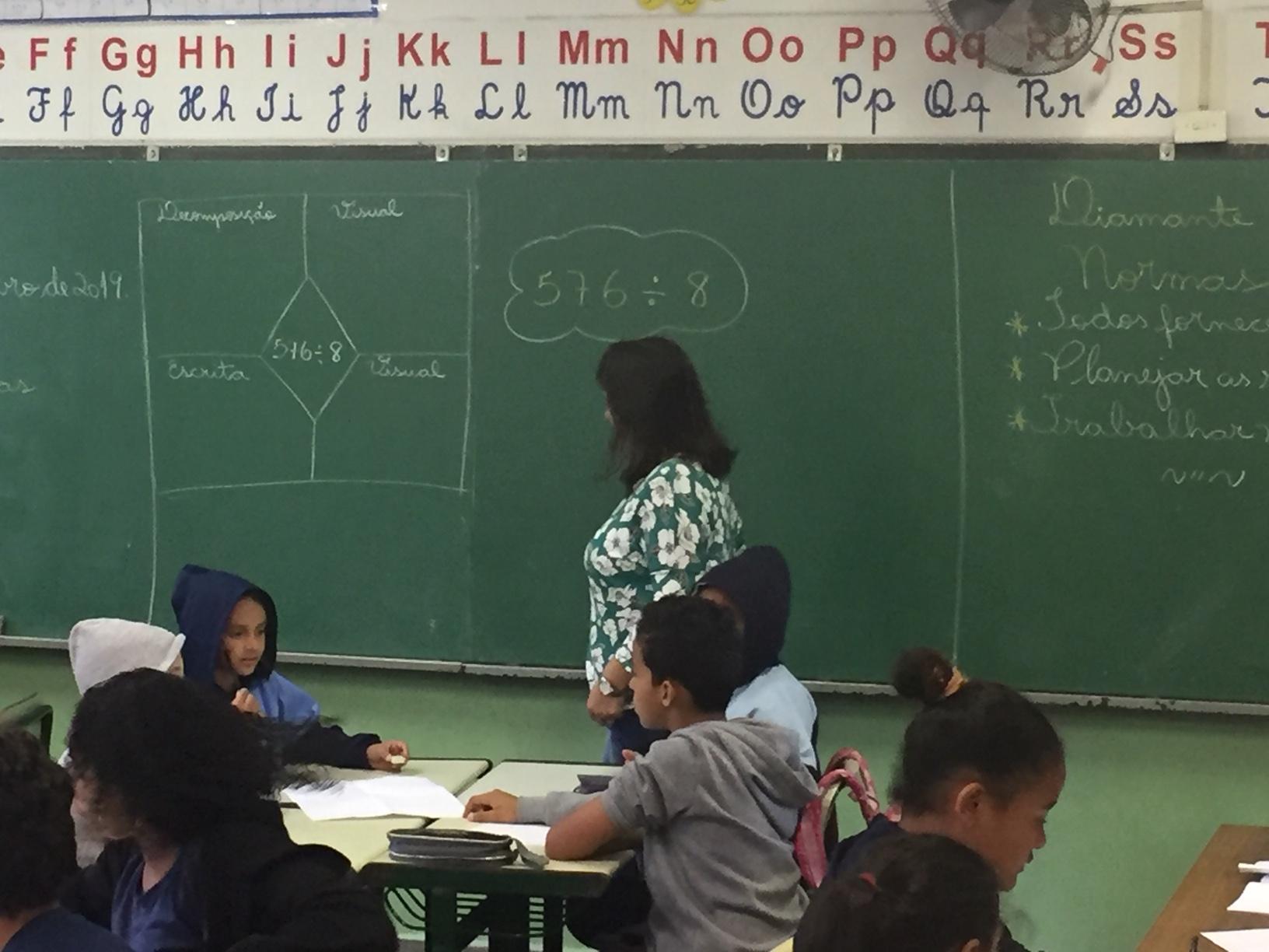 Com abordagem matemática inovadora, colégio público dá salto em desempenho
